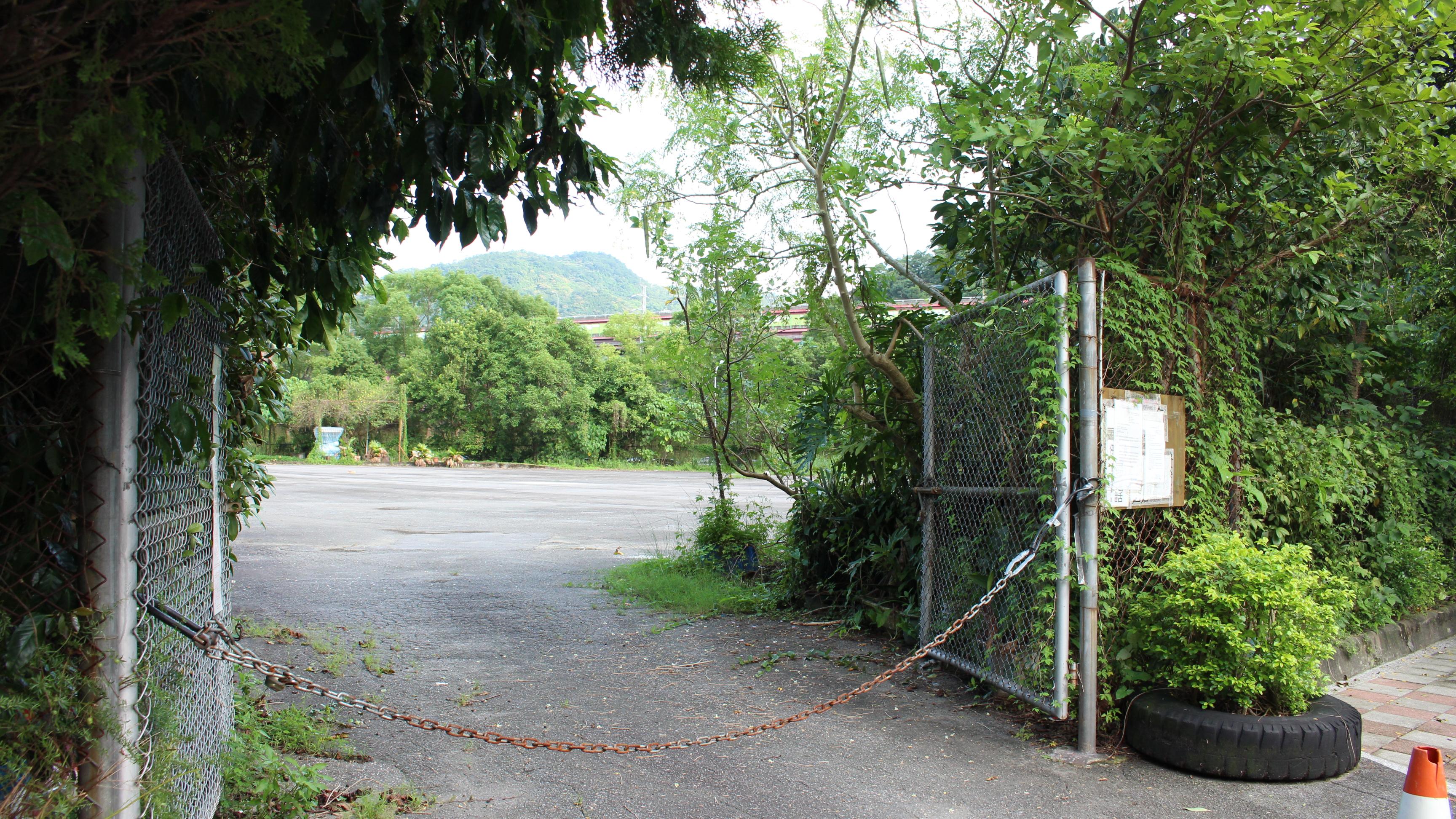 社區的公有地運用,比起公宅,居民表示更需公園綠地及停車場。