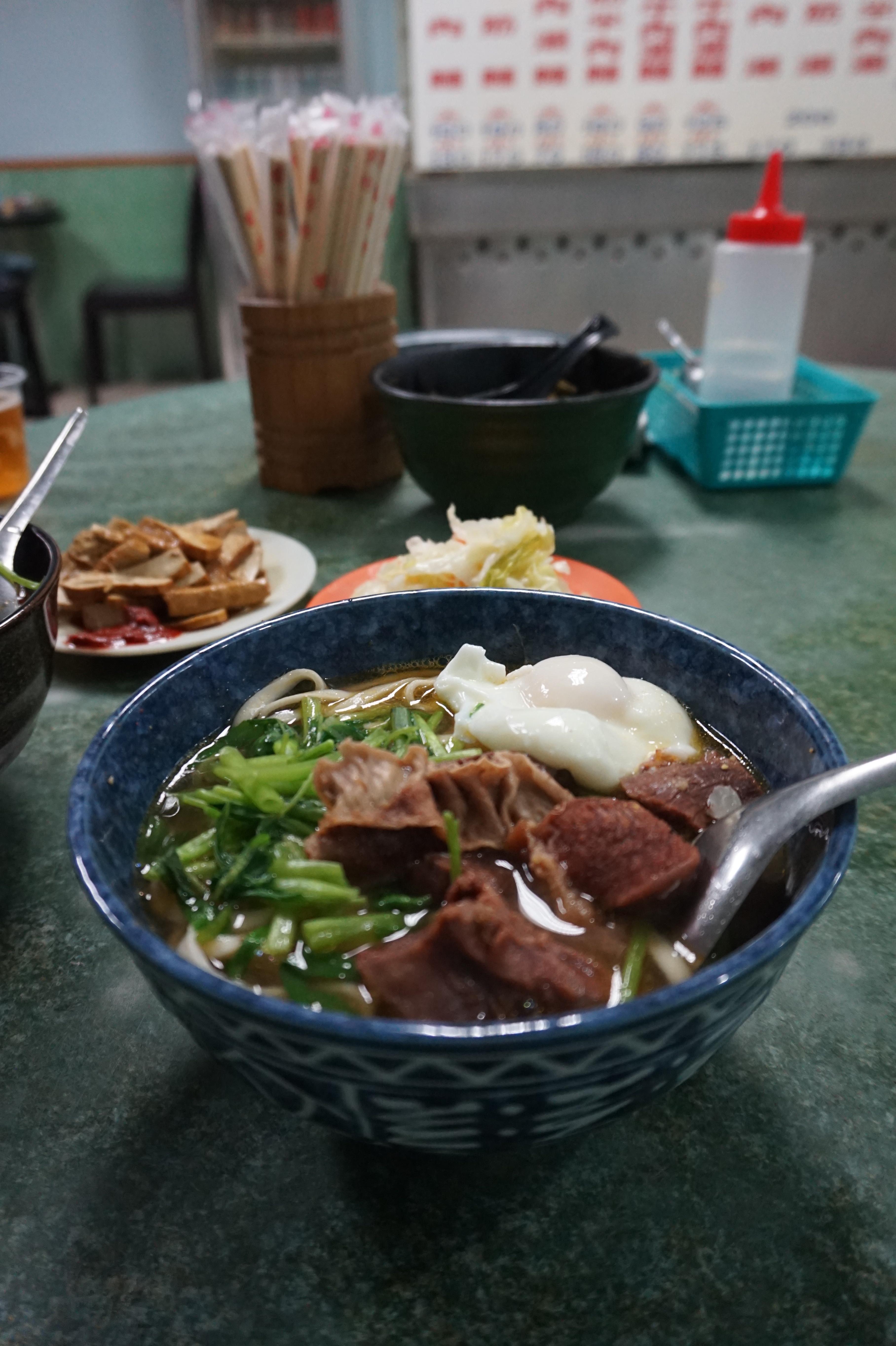 老王牛肉麵用料豐富實在,肉質軟嫩不柴。(攝影/李玟逸)