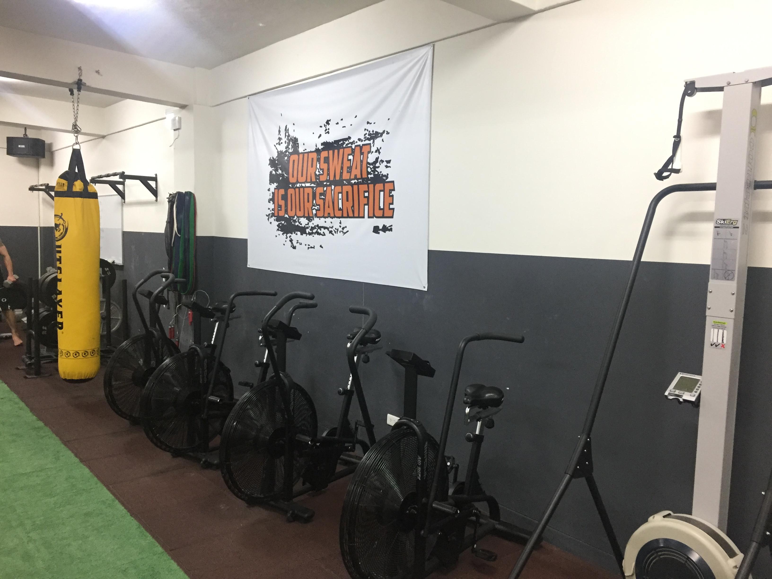 健身房內的有氧運動器材。攝影 / 潘幸暉