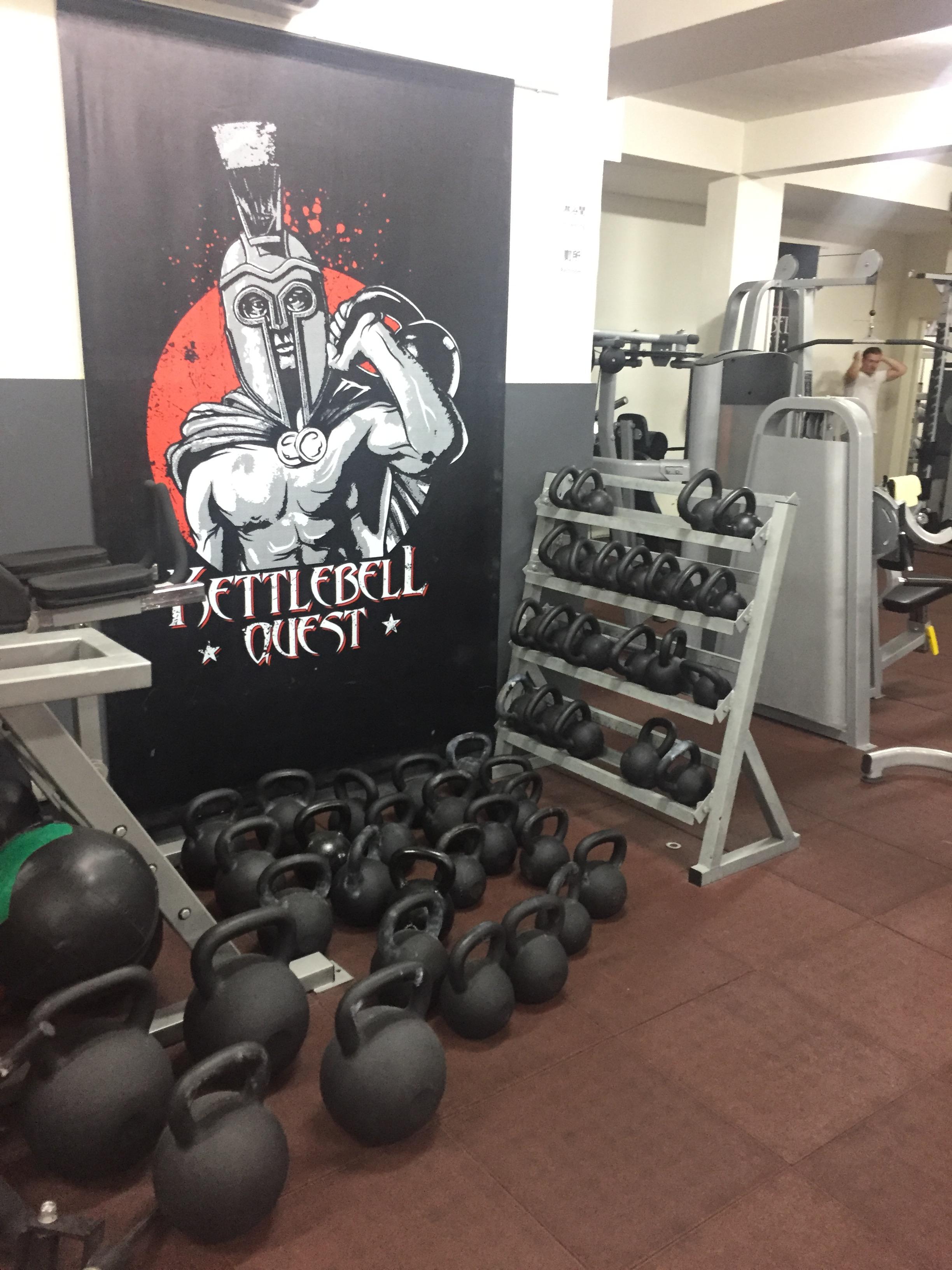 健身房中的專業器材多樣。攝影 / 潘幸暉