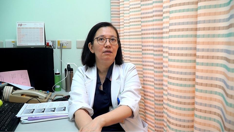 台大醫院物理治療師陳昭螢表示,事前熱身不足是容易發生運動傷害的常見原因。 攝影/周楚