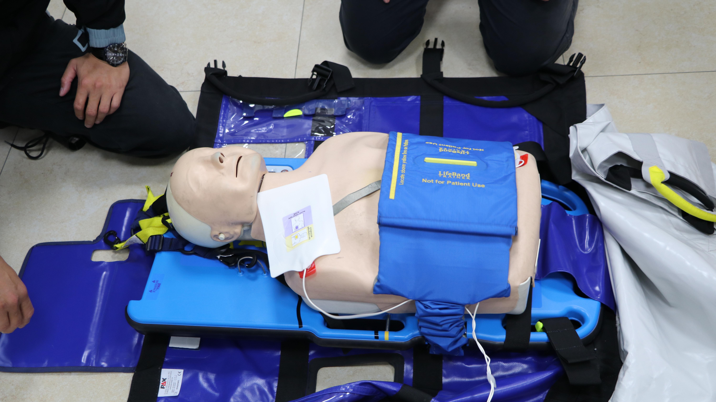 上為自動心臟體外按摩器實圖。 攝影/周宛蓁