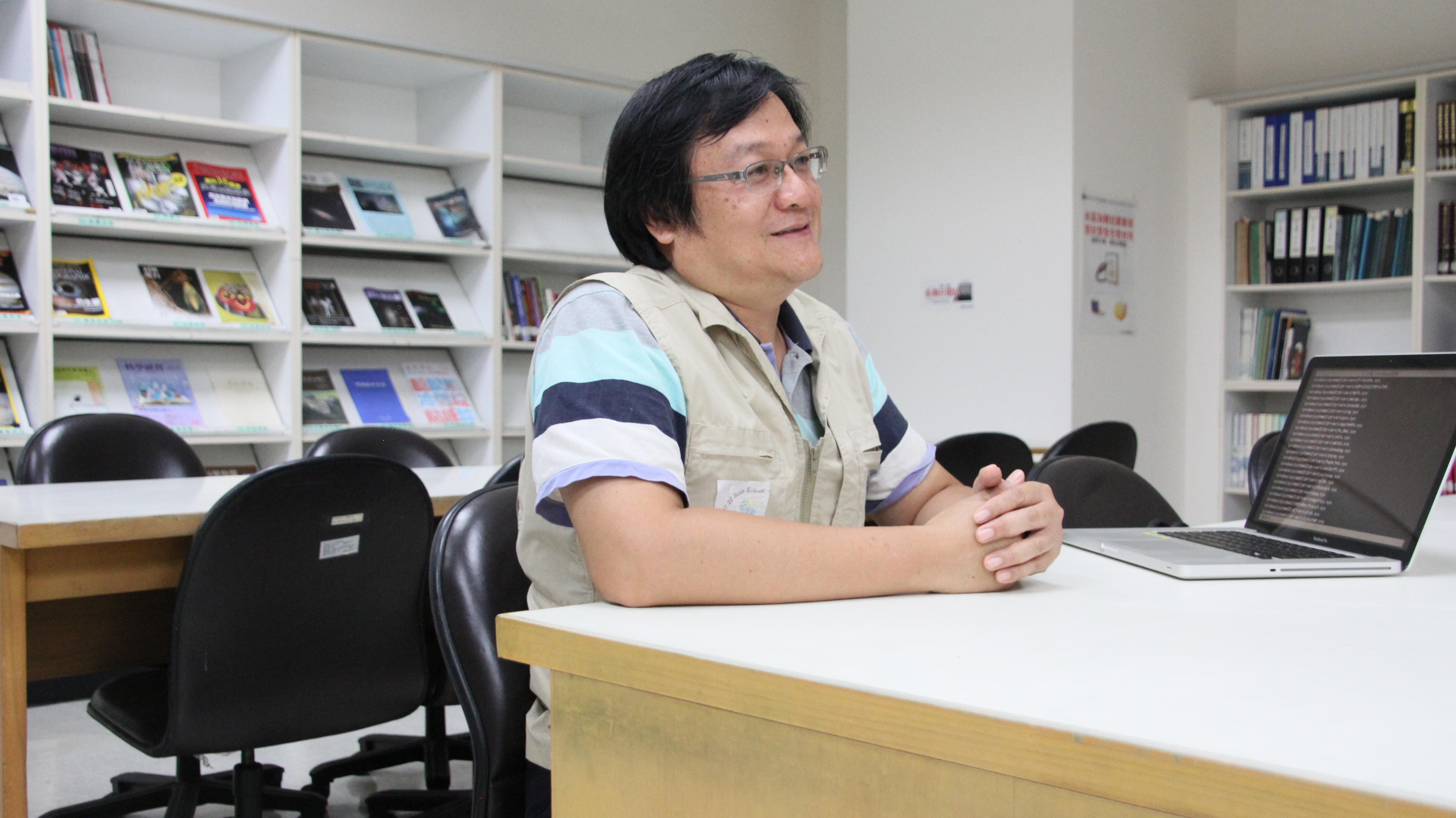 台北市立天文館解說員楊曄群表示:蛇夫座早已存在。 攝影/黃子洋