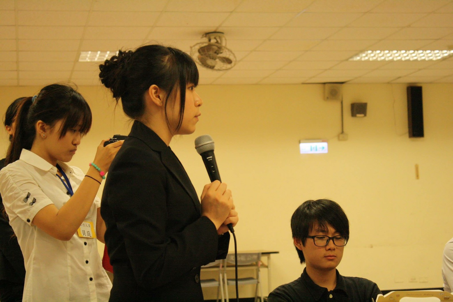 世新大學新聞系大二舉辦的公民會議,學習「說話」的重要性。照片提供/周子二