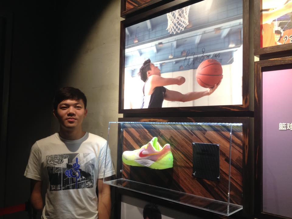 范弘昊發揮設計才能,為球星kobe設計特殊配色球鞋。 圖片提供/范弘昊