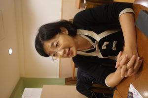 德明財經科技大學流通管理系助理教授賴淑芳解釋物流現況 攝影/許珮姿