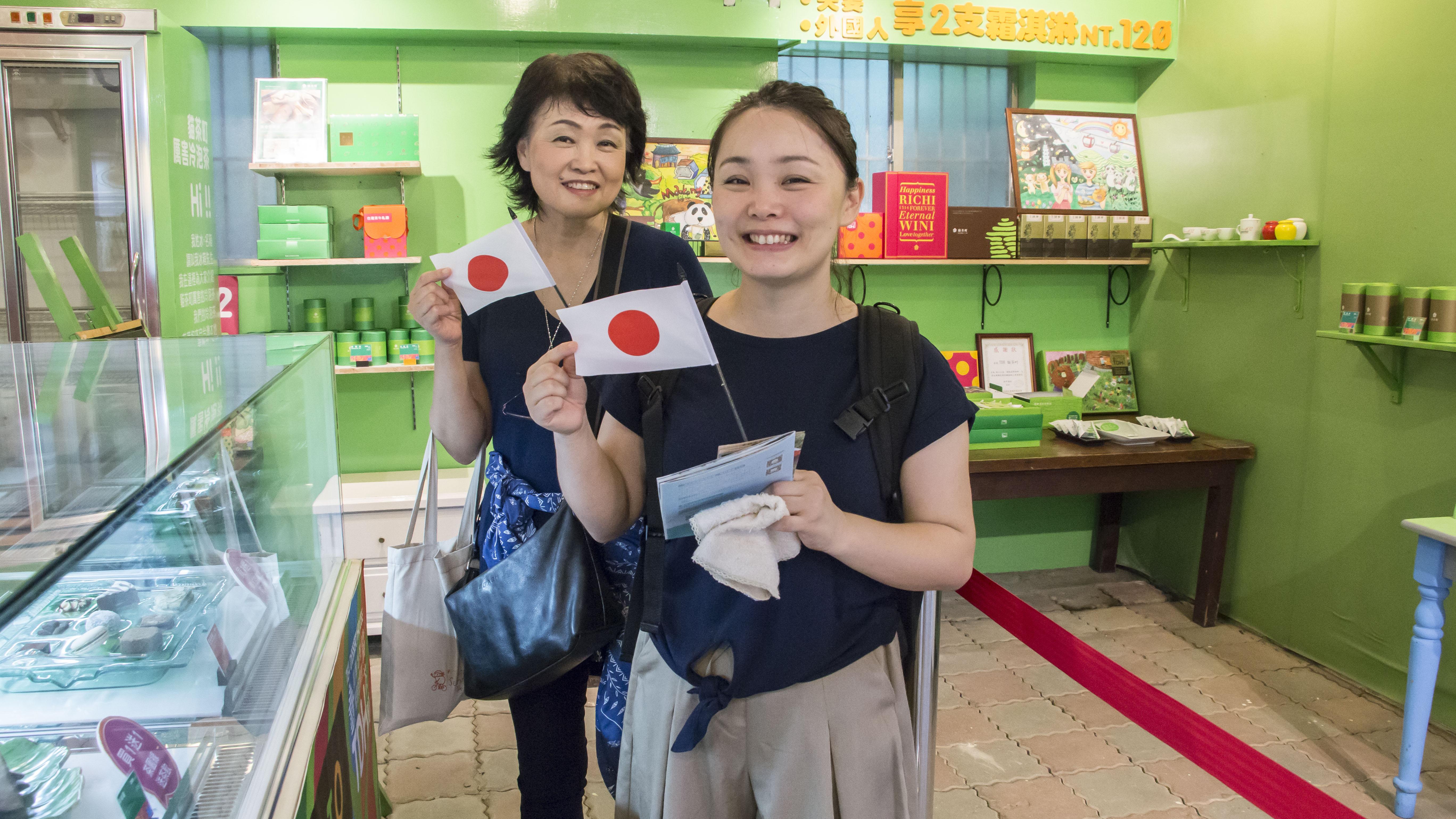 網路興盛,吸引外國遊客前來造訪。攝影/邵永輝