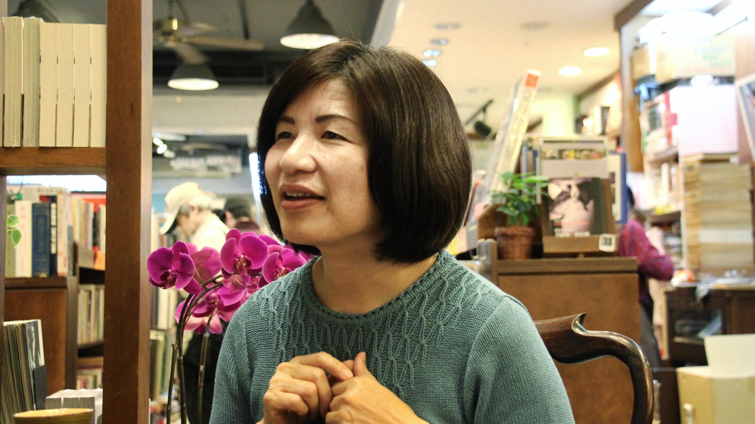 胡思二手書店店長蔡能寶分析電子書市場與二手書市場的未來趨勢。攝影/張子怡