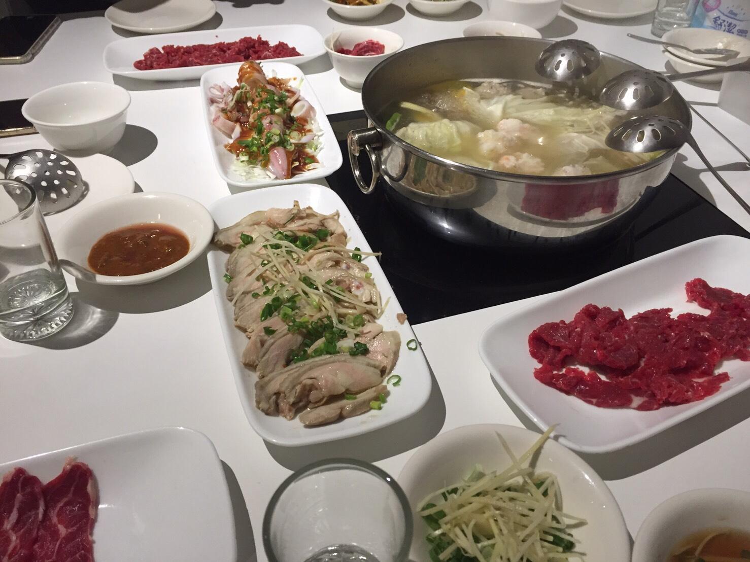 冬天吃鍋是必備的料理。攝影/徐子雯。