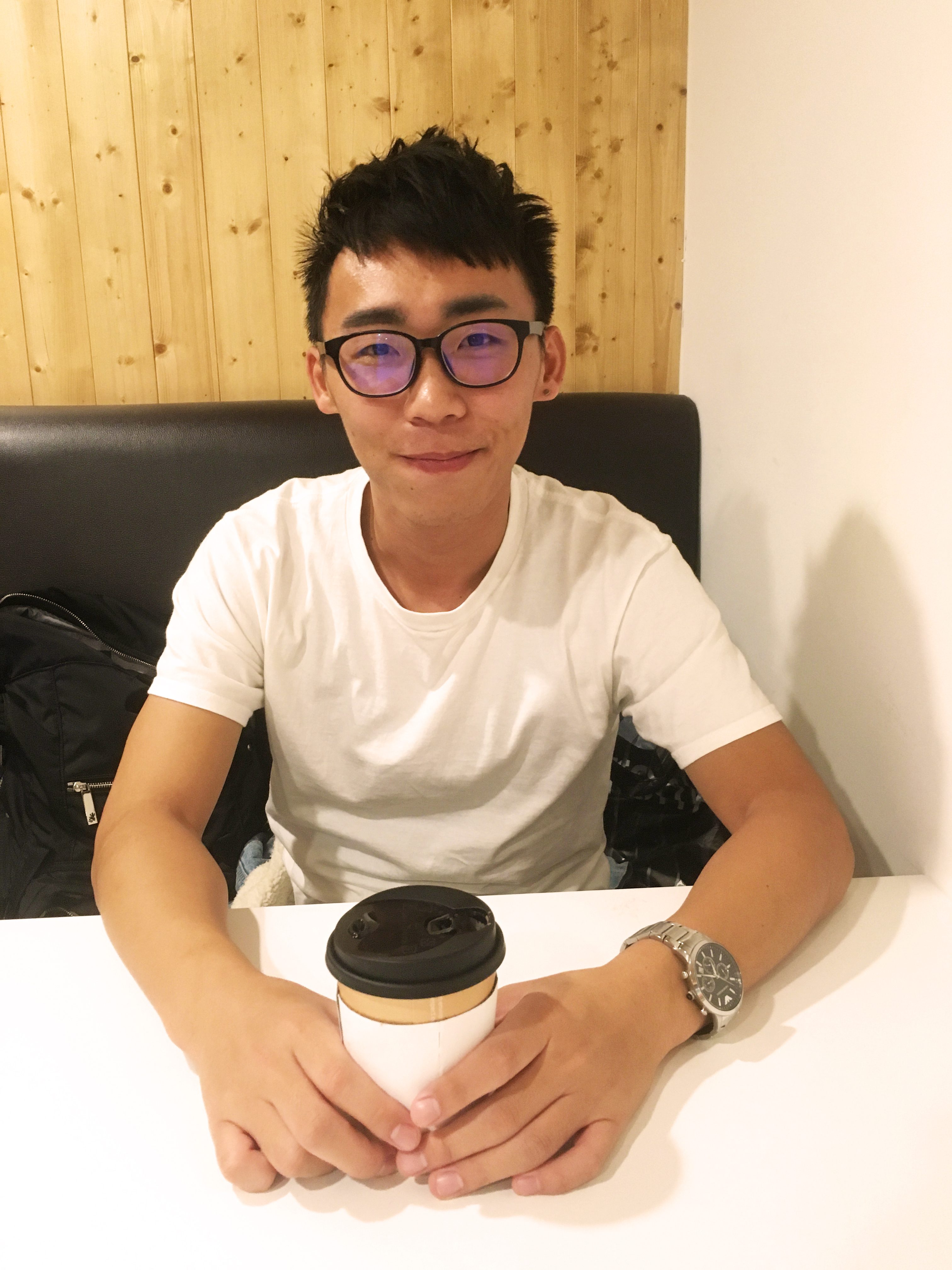 Fang, Kang-hao is interviewed by us in cafe. Photo / Chang, Chih-yu(張芷瑜)