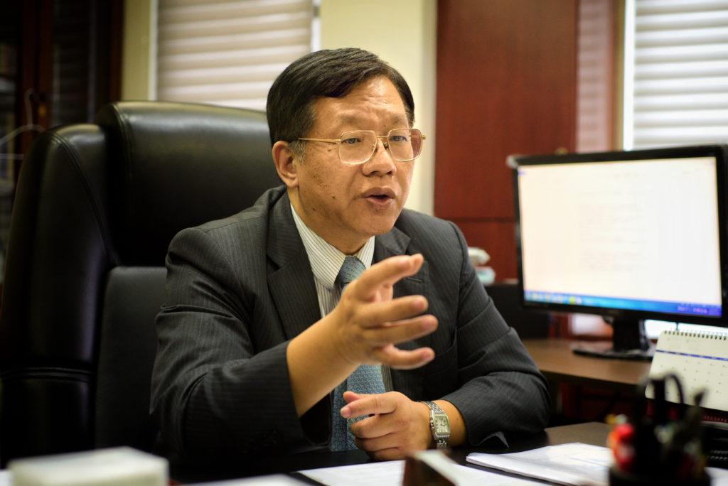 台灣經濟研究院院長林建甫,侃侃而談台灣的保護主義發展。攝影/林梓晴