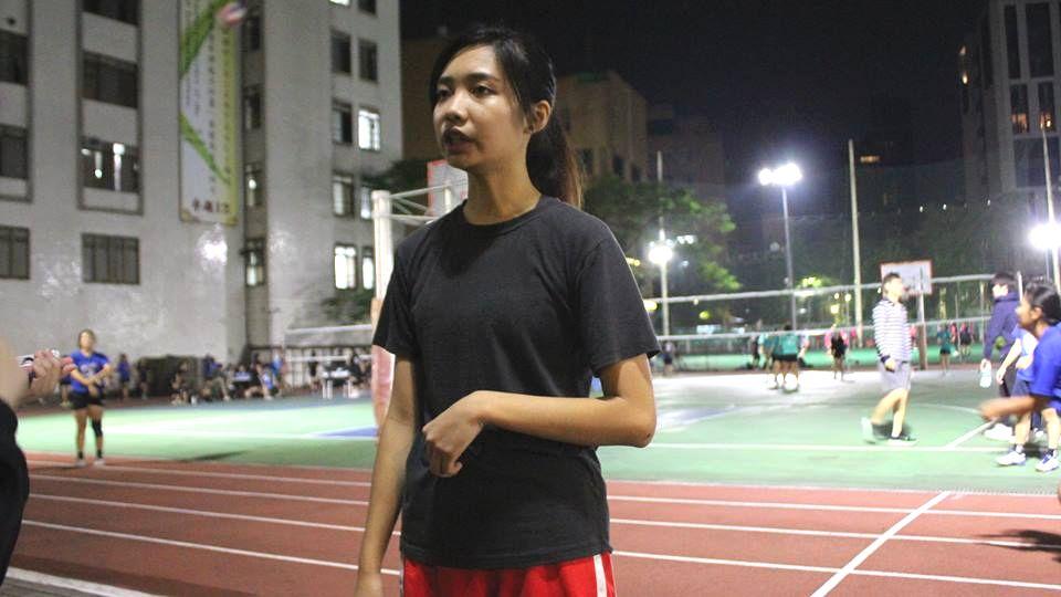 籃球員黃同學認為自動讓肌肉修復比較好。攝影/黃子洋