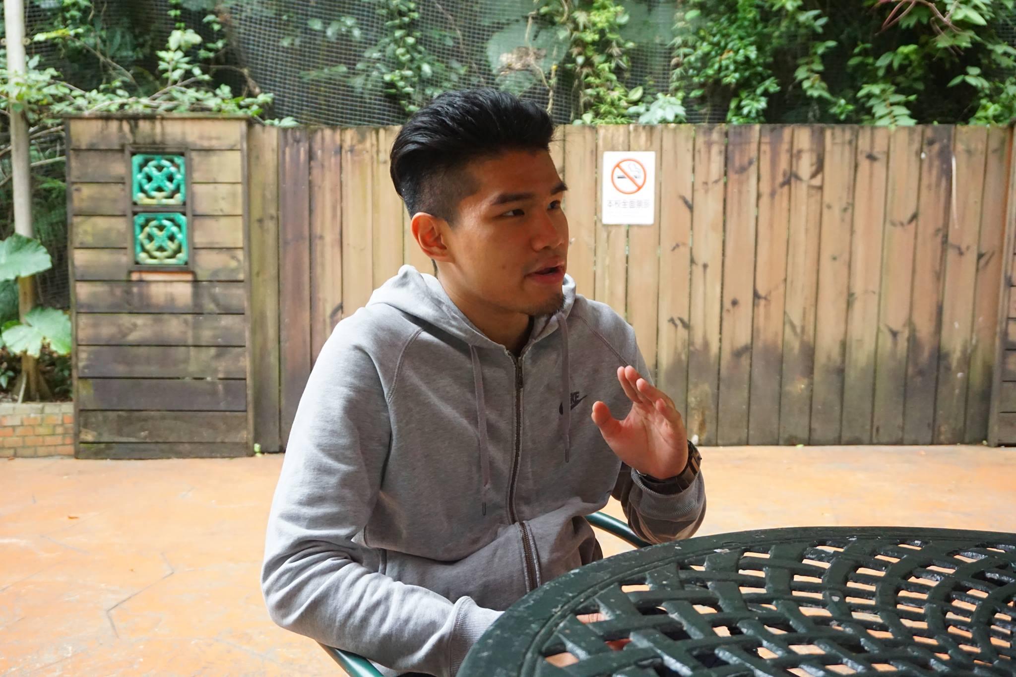 世新大學學生李承宣說明自己好友被盜用的經歷。攝影/陳祈安