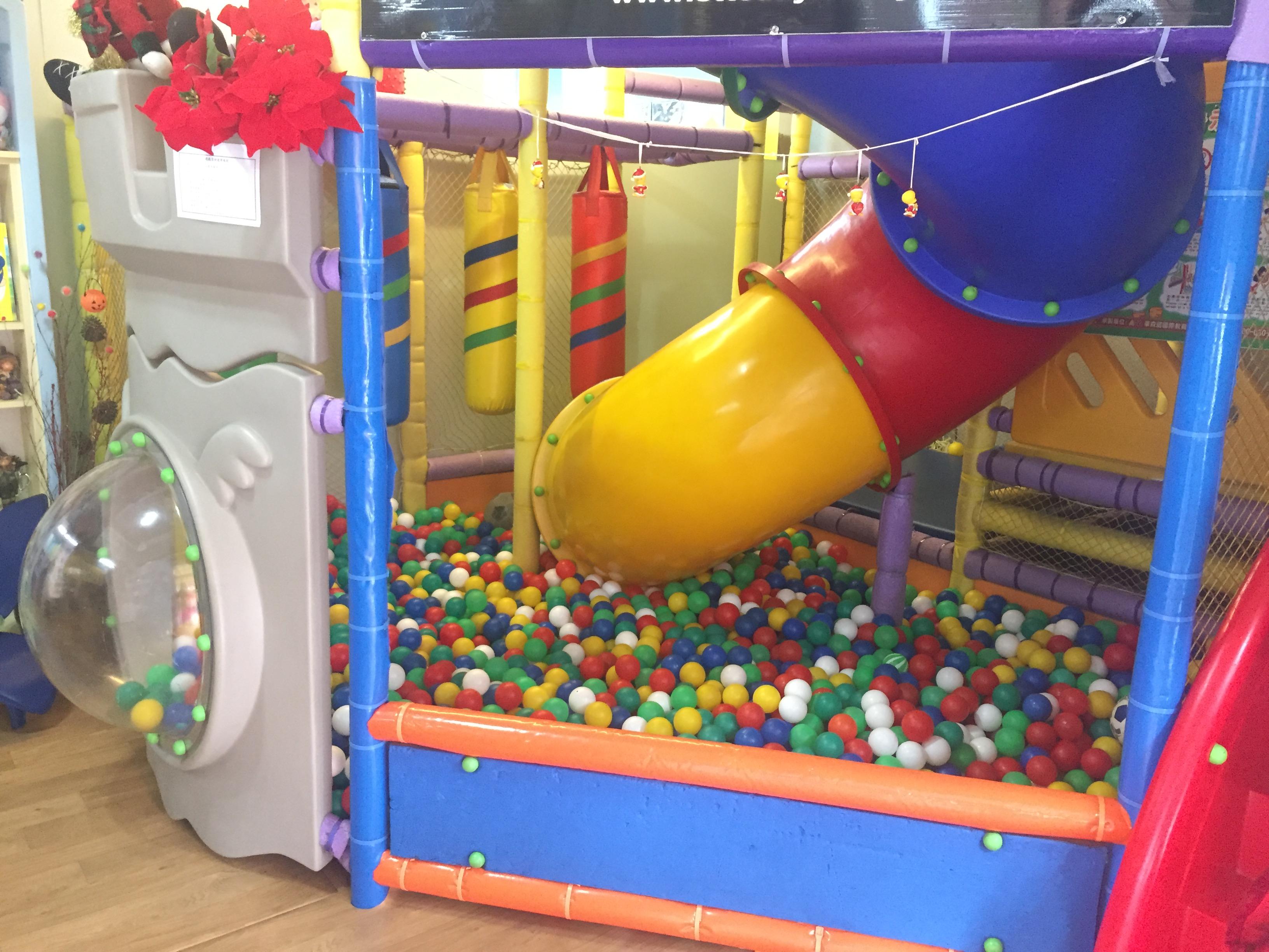 幼兒園中的遊樂設施。攝影/潘幸暉