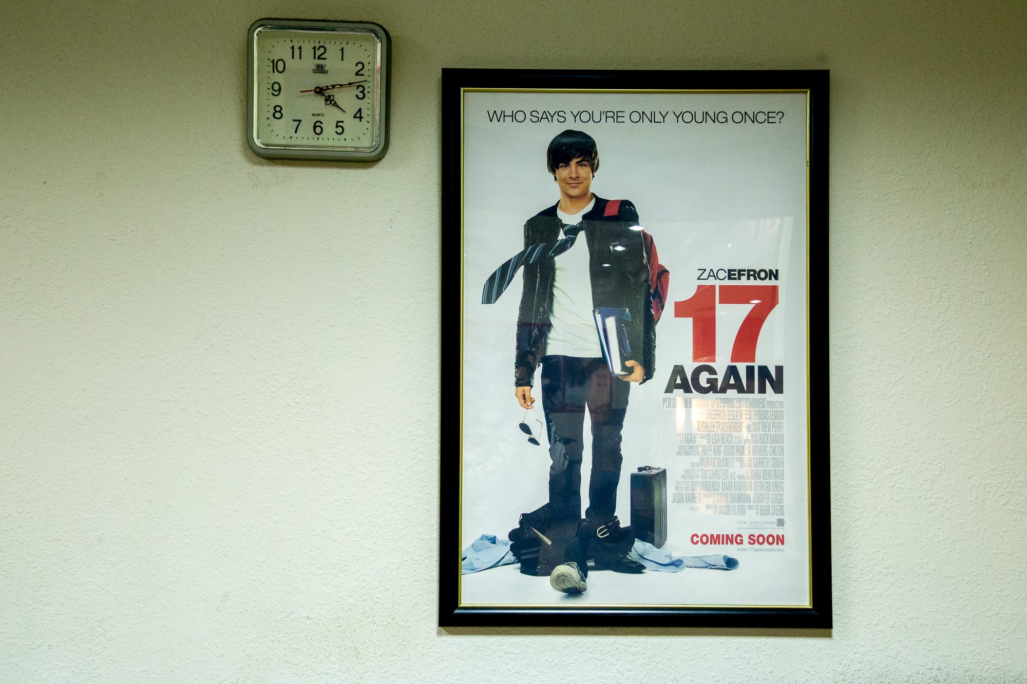 二輪電影院常有原版海報販賣,價格昂貴且具有收藏價值,很多電影愛好者會前來購買 攝影/胡皓宸