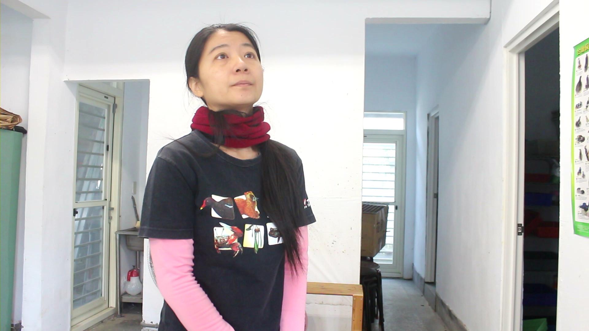 推廣副組長呂佳璣說明近來傷鳥增加的趨勢。 攝影/吳冠輝