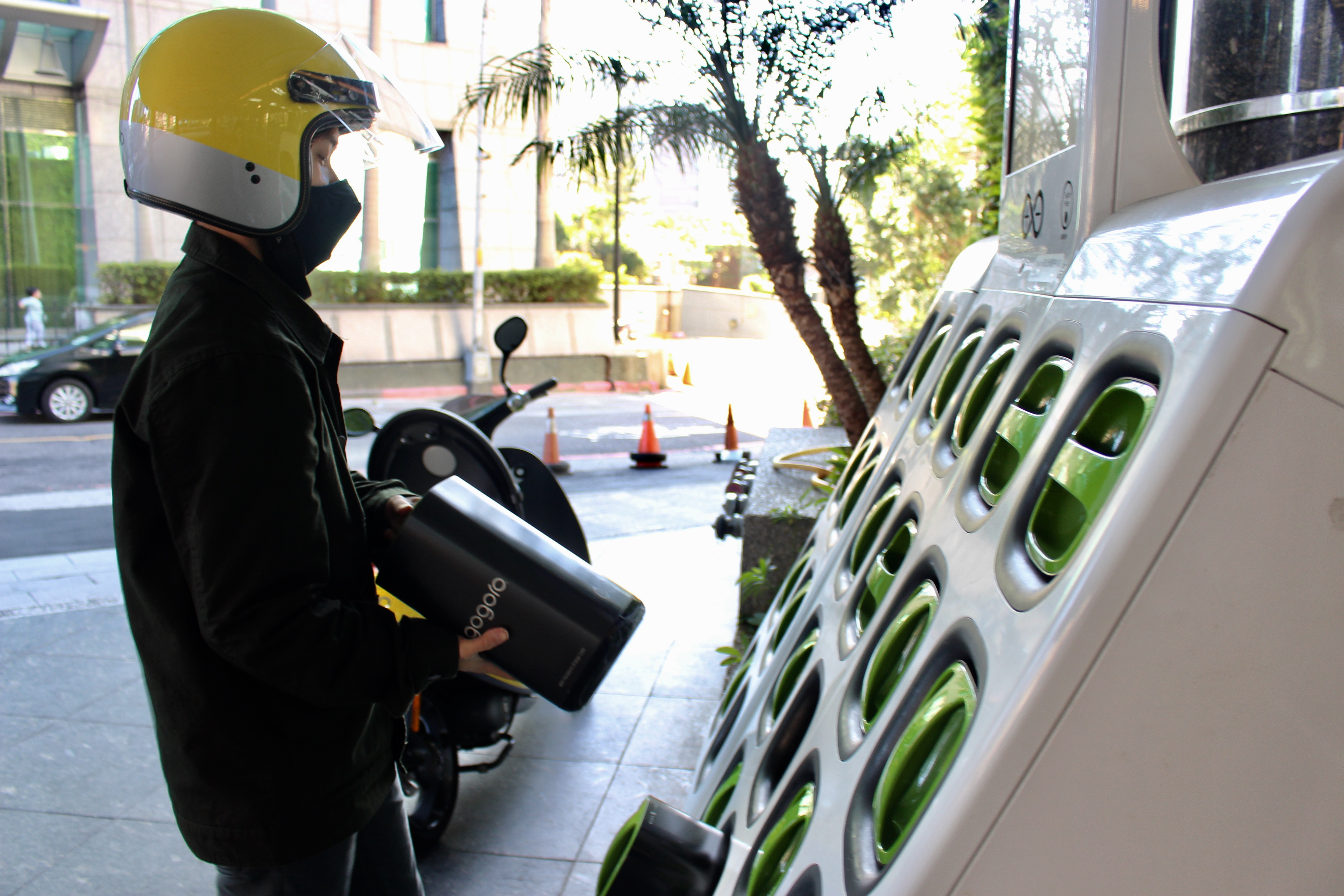 The gogoro electric scooter need to change two batteries. Photo/Hu, Fan(胡凡)