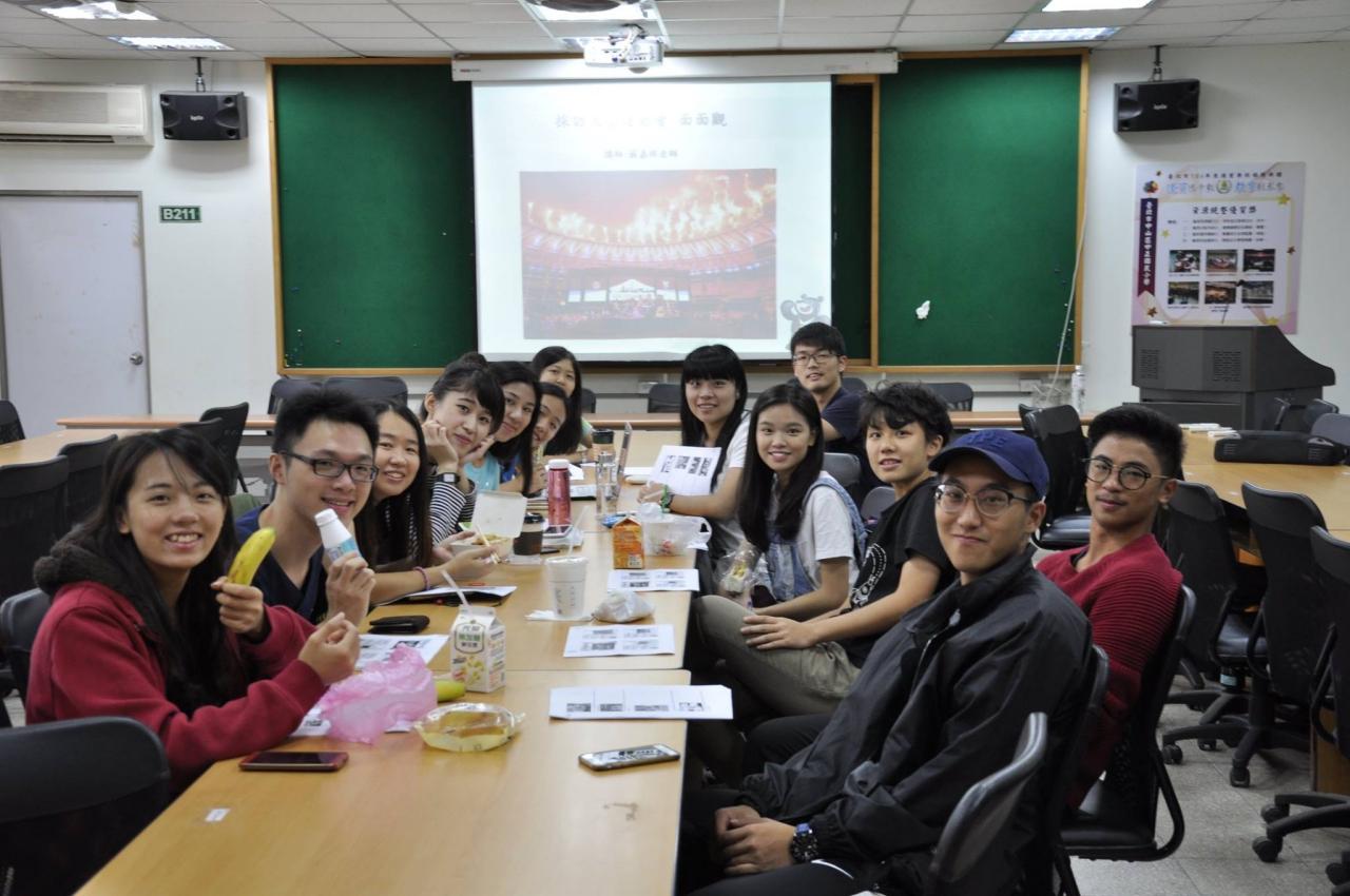 青年記者們彼此感情良好,比競爭更多的是互相學習。照片提供/神準國際行銷