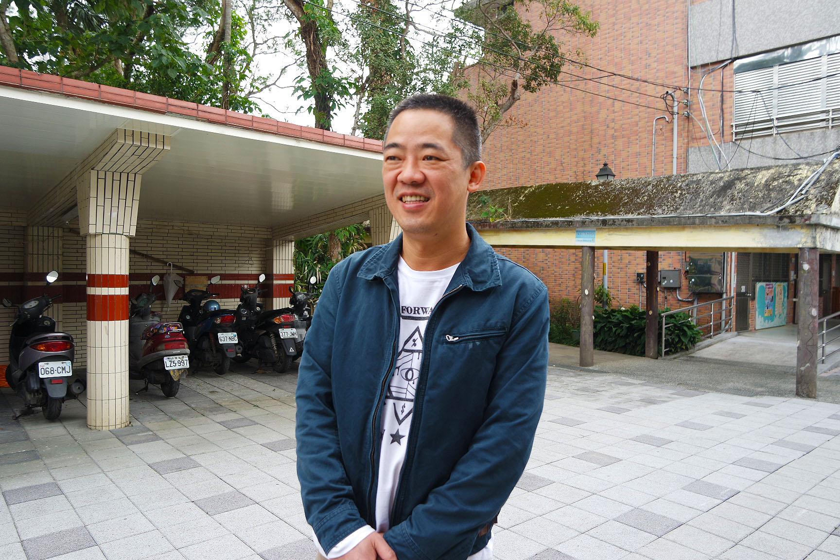 家長李文斌認為孩子快樂學習很重要,才將小孩跨區送至直潭國小就讀。攝影/劉品彣