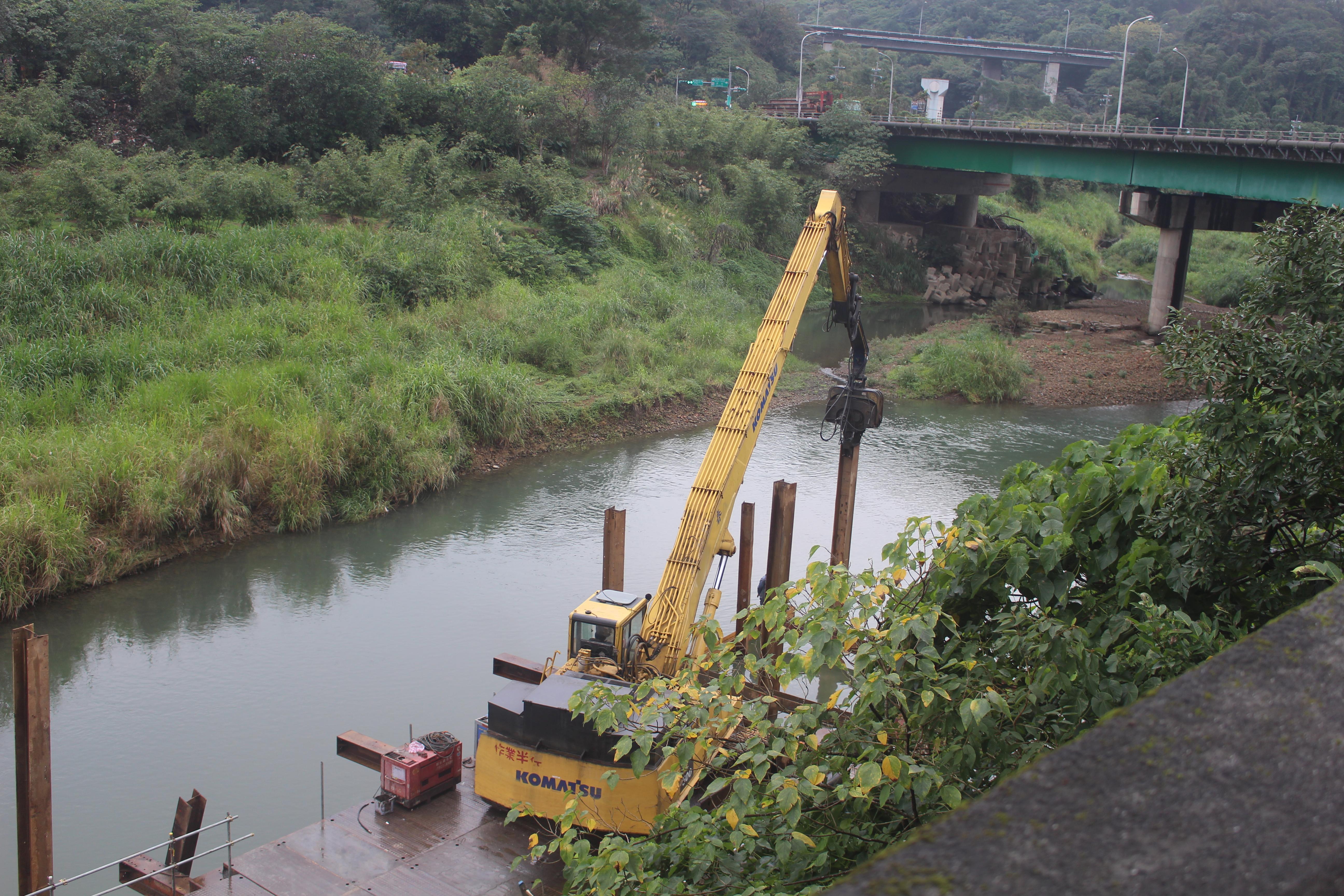 萬福橋橋墩施工狀況。。攝影/林聖捷