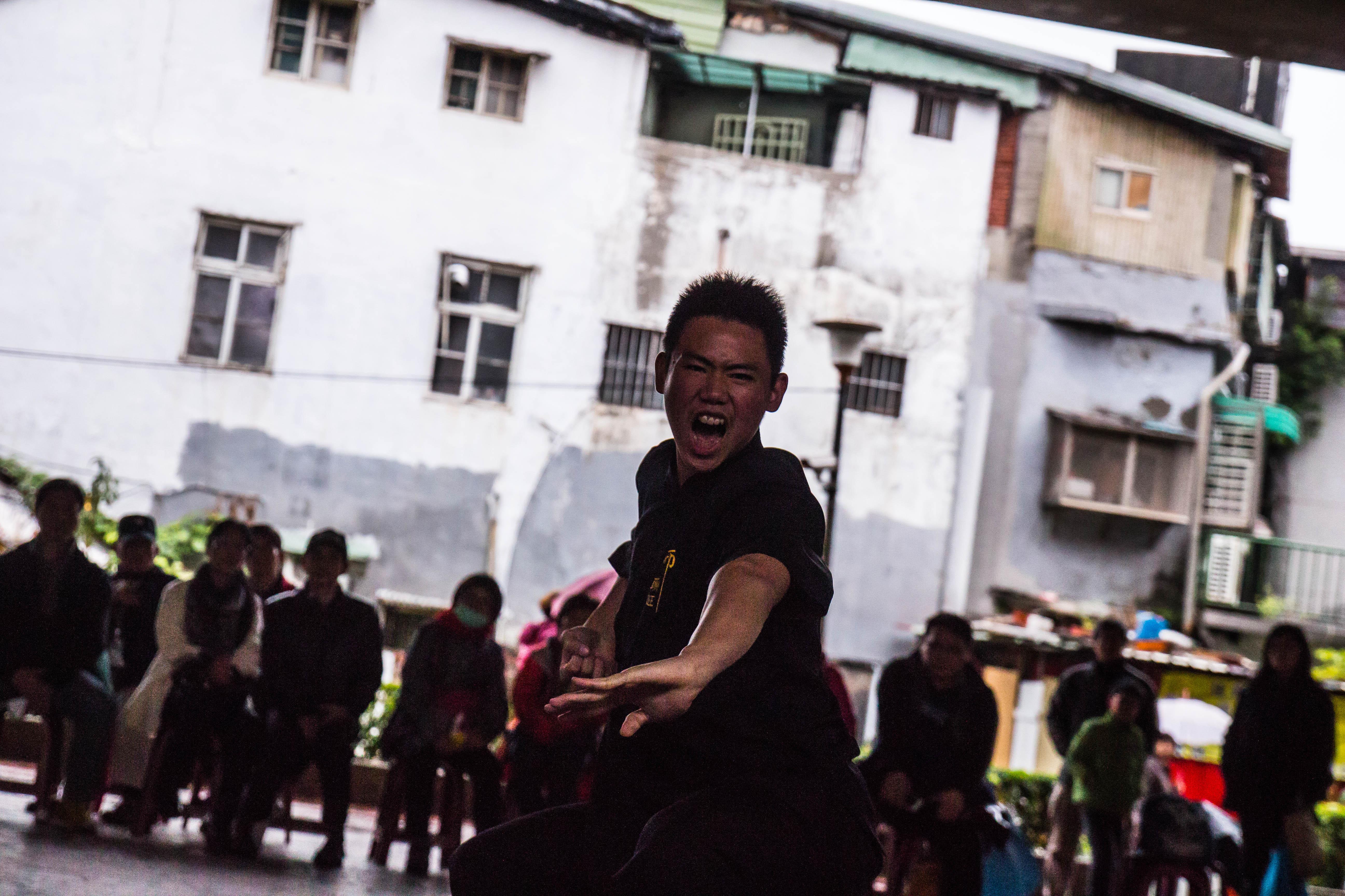 從套路演練中,看得出表演者的認真與熱情。攝影/高子涵