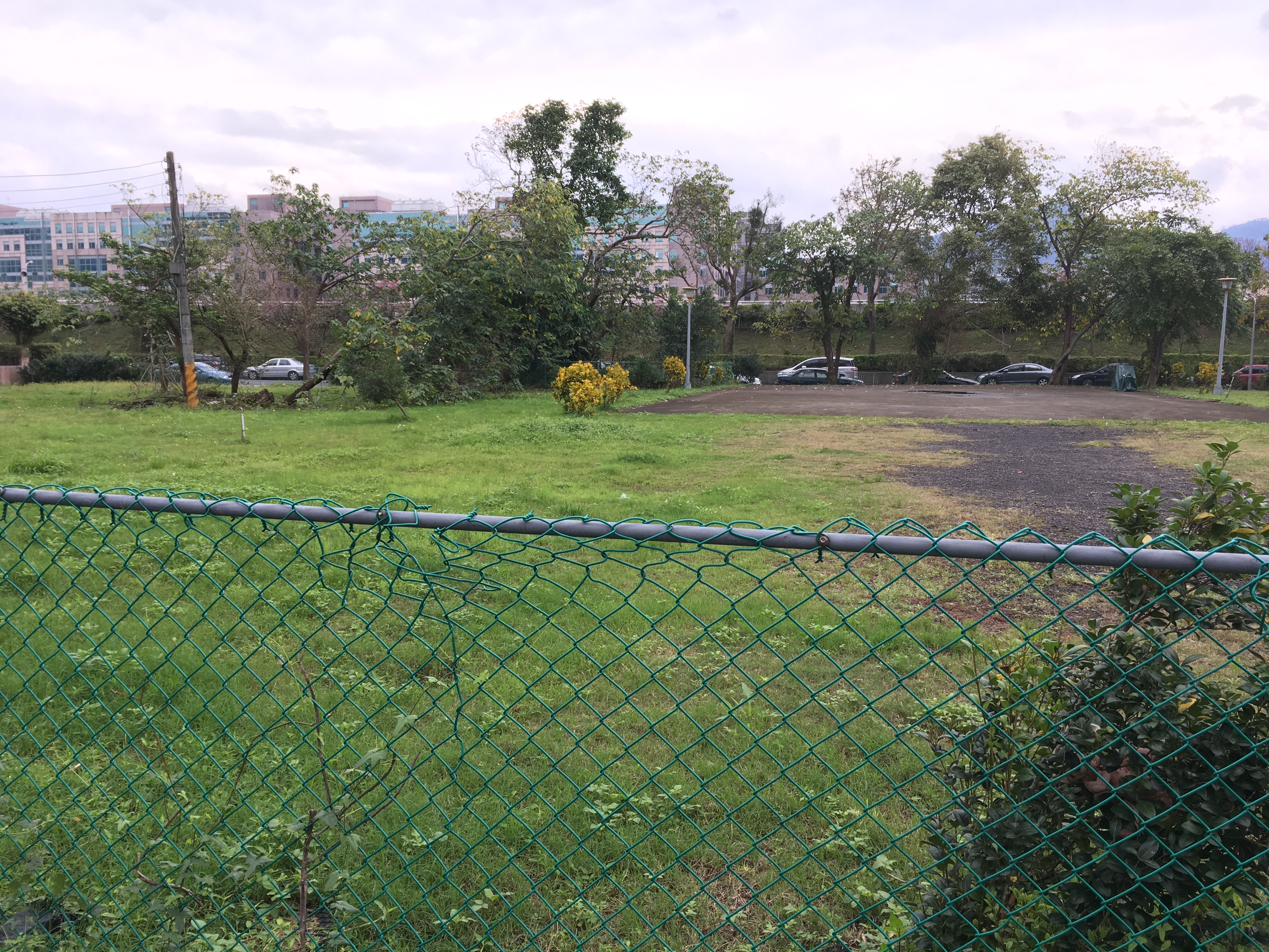 和興路84巷原市府預定興建公宅處,因里民反彈過大,市府決議暫緩實施。攝影/羅紹齊