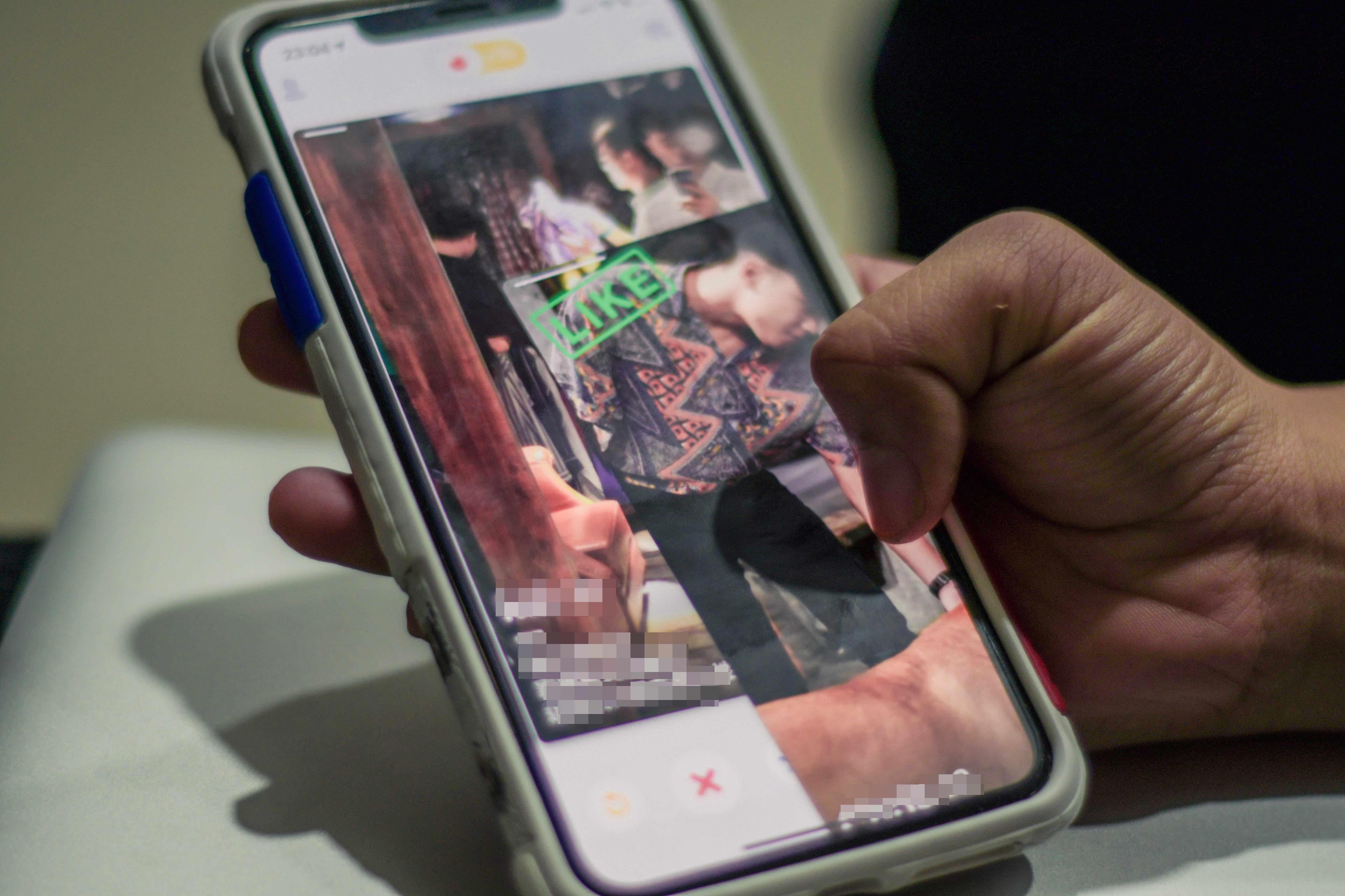 想快速認識一個陌生環境,使用交友軟體可以是方法之一 攝影/張嘉穎